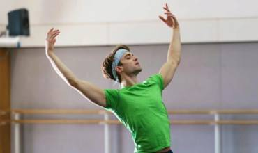 To be a male dancer, today